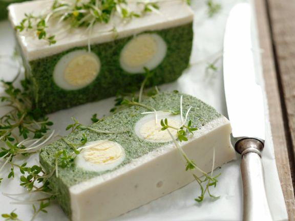 Terrine mit Spinat und Ei