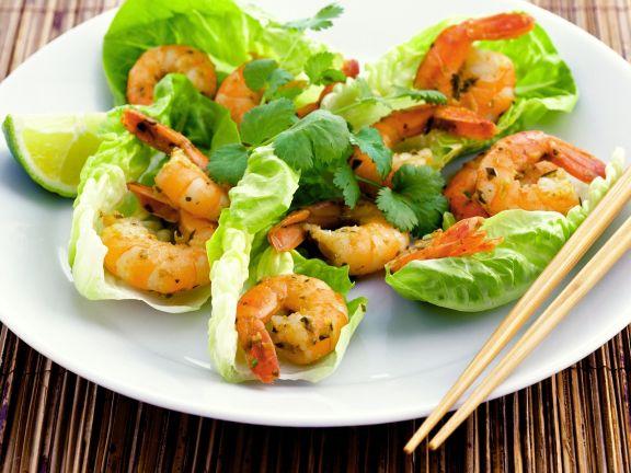 Thai-Scampi mit Salat und Koriander