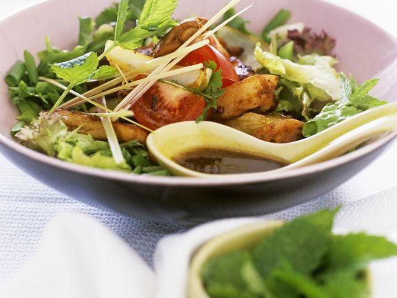 Thailändisches Hähnchensalat