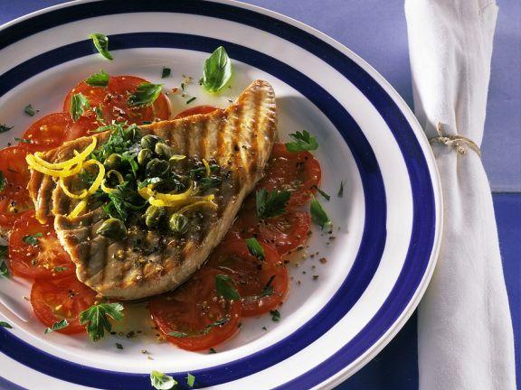 Thunfisch vom Grill mit Tomaten