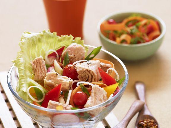 Thunfischsalat mit buntem Gemüse
