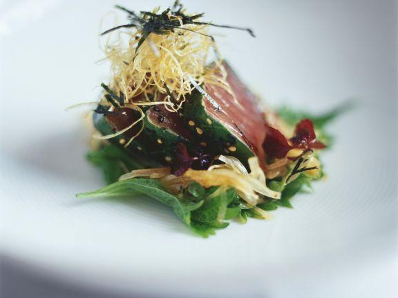 Thunfischsteak mit Knuspernudeln