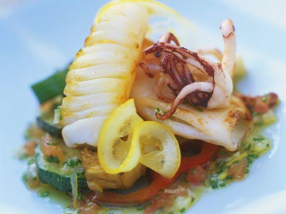 Tintenfisch mit mediterranem Gemüse