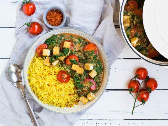 Tofu-Spinat-Tomaten-Curry mit Kurkuma-Reis