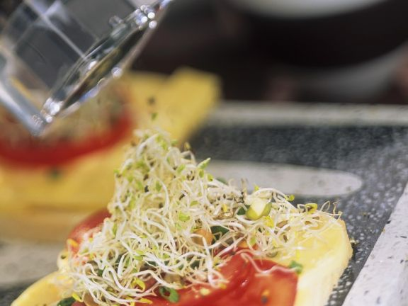 Tomate und Mozzarella auf Toast