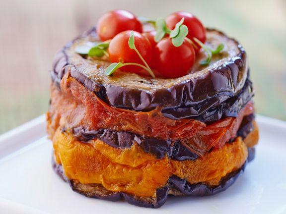 Tomaten-Auberginentürmchen