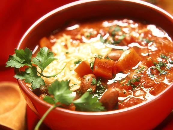 Tomaten-Bohnensuppe