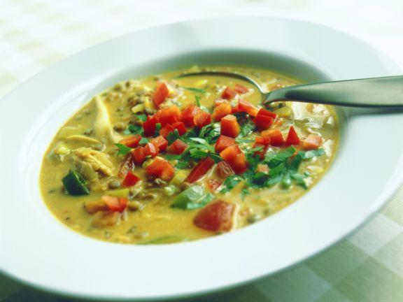 Tomaten-Curry-Suppe mit Linsen