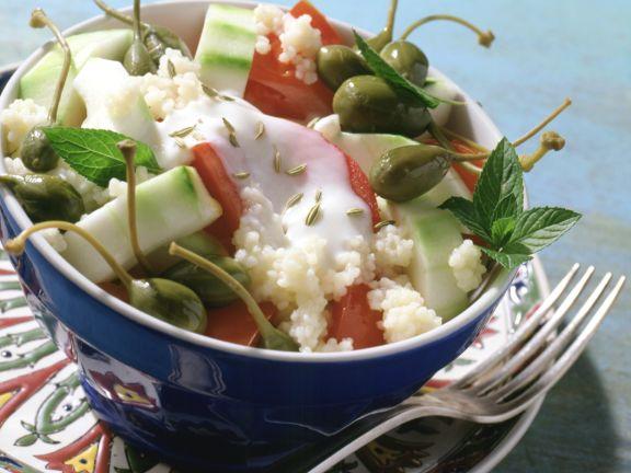 Tomaten-Gurken-Salat mit Bulgur