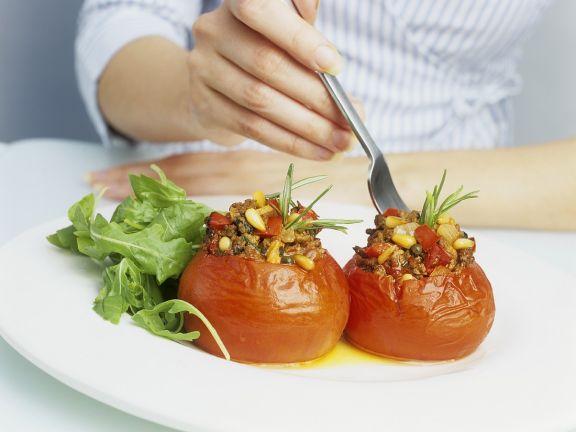 Tomaten mit Hackfleischfüllung