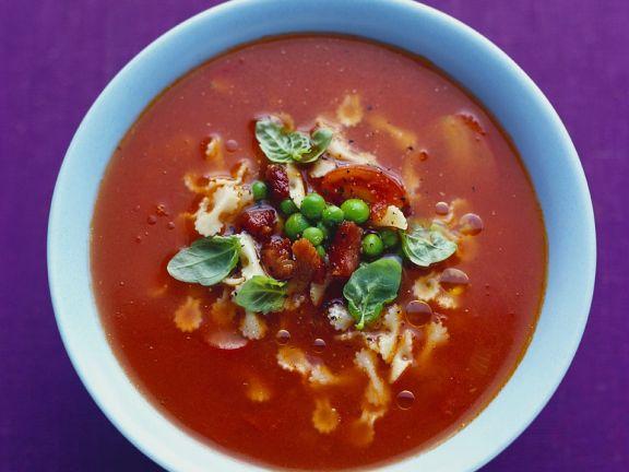 Tomatencremesuppe mit Nudeln