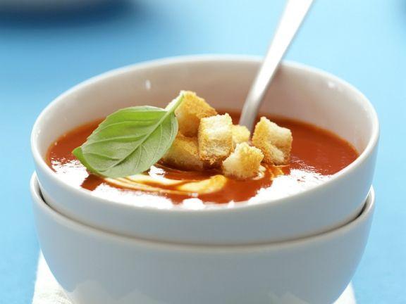 Tomatencremsuppe mit Crôutons
