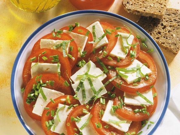 Tomatensalat mit Käse