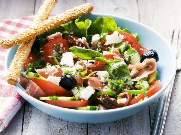 Tomatensalat mit Schafskäse und Schinken