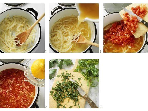 Tomatensuppe mit Brotwürfeln