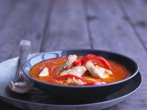 Tomatensuppe mit Kokos und Hähnchenbrust