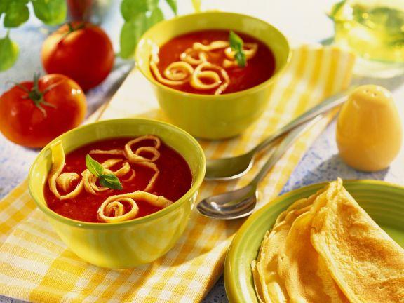 Tomatensuppe mit Pfannkuchen