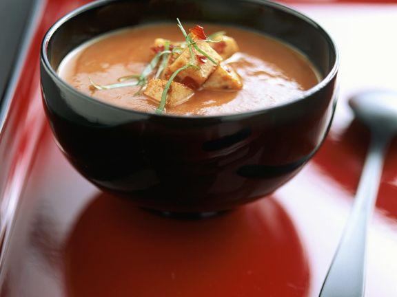 Tomatensuppe mit Tofu