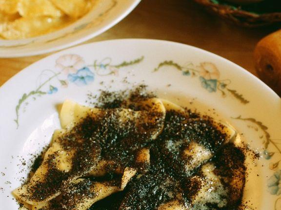 Topfen-Ravioli und Mohnbutter
