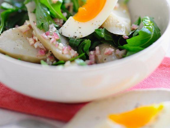 Topinambur-Salat mit Rucola und Ei