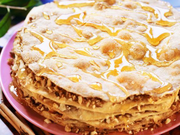 Torte nach türkischer Art mit Mandeln und Honig