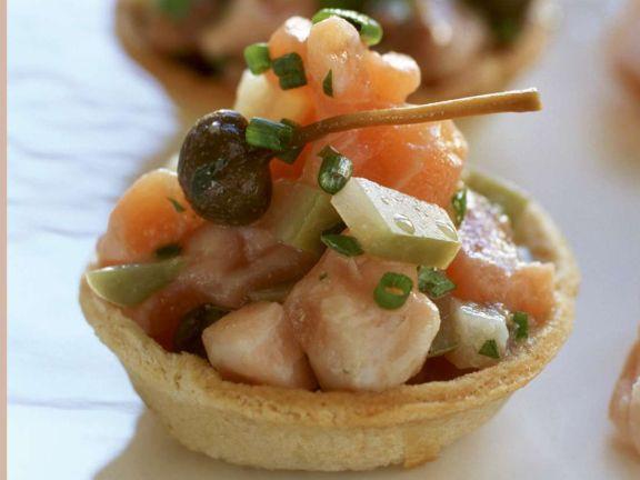 Torteletts mit Fischsalat