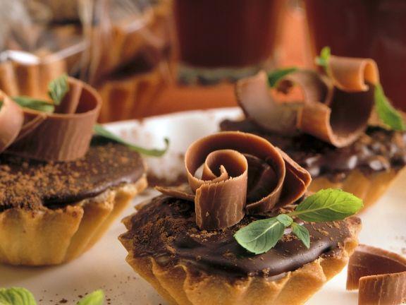 Torteletts mit Schokoladenfüllung