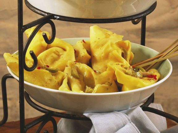Tortellini mit Olivensauce