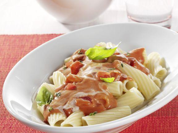 Tortiglioni mit Tomatensauce