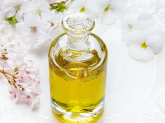 Traubenkernöl – tut nicht nur von innen gut! |Photo: © Pixabay/ silviarita