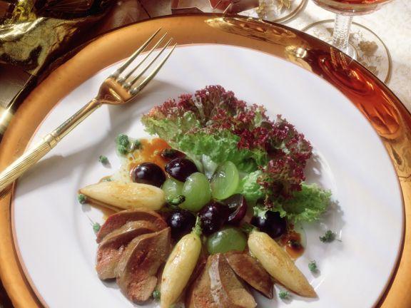 Traubensalat mit Rübchen und Gänseleber