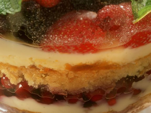 Trifle mit Beeren