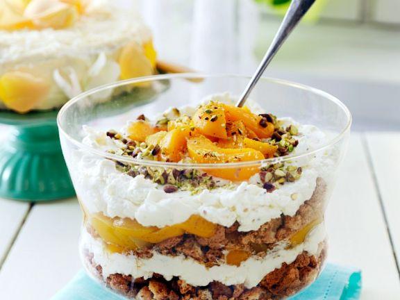 Trifle mit Pfirsich