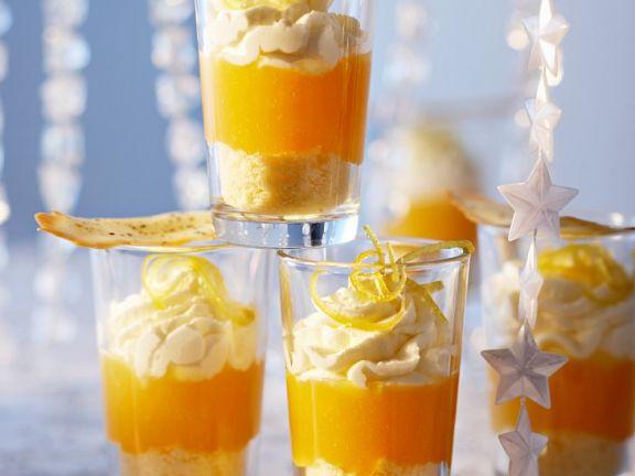 Trifle mit Sahne und Mandarinencreme