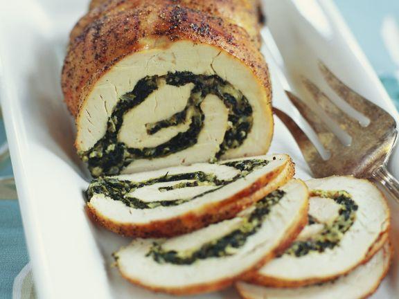 Truthahnrollbraten mit Spinat gefüllt