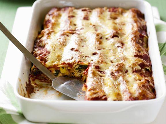Überbackene Cannelloni mit Geflügel, Mais und Rucola