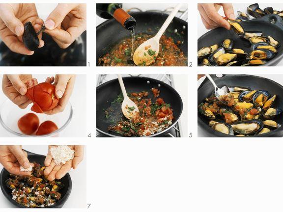 Überbackene Miesmuscheln mit Tomaten