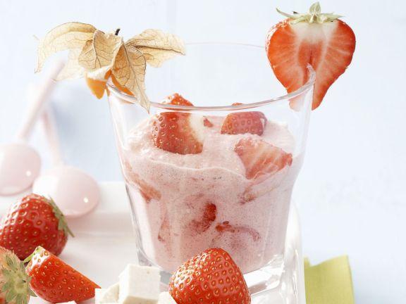 Vegane Erdbeercreme