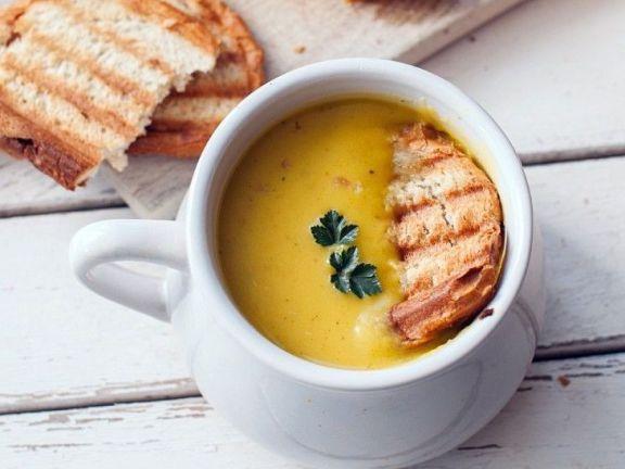 Vegane Kürbis-Cremesuppe
