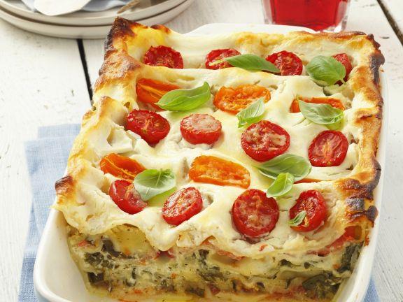 Vegetarische Lasagne mit Tomaten