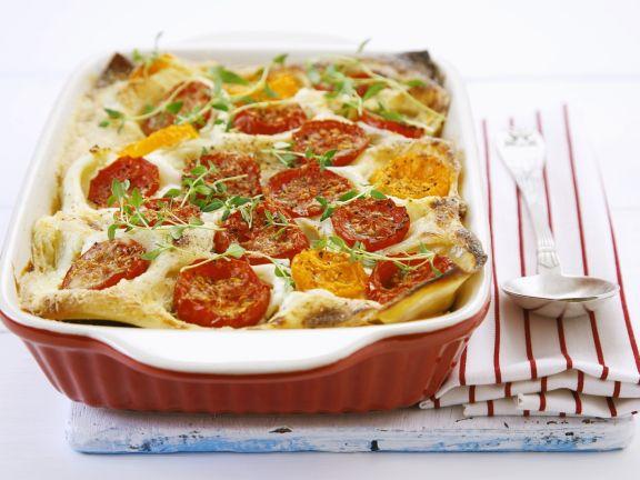 Vegetarische Lasagne mit Tomaten, Paprika und Zucchini