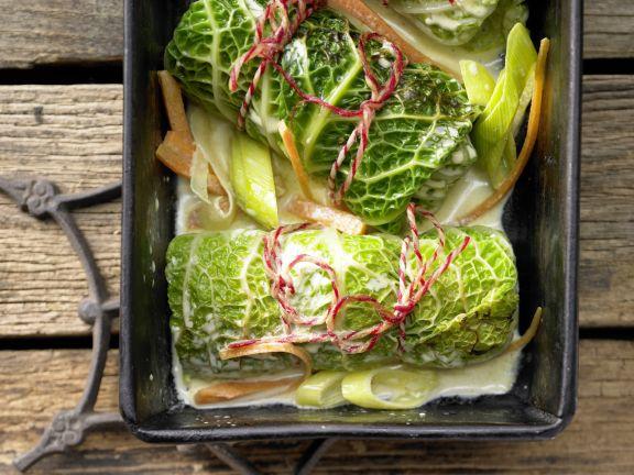 vegetarische wirsingrouladen rezept eat smarter. Black Bedroom Furniture Sets. Home Design Ideas