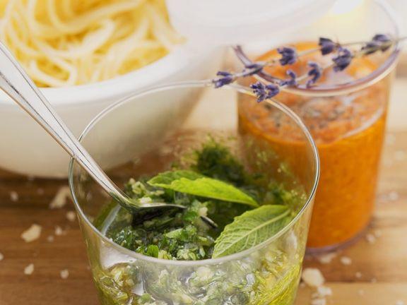 Verschiedene Pesto