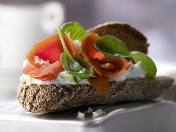Vollkorn-Lachs-Sandwich
