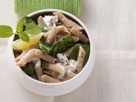 Vollkornpasta mit Spinat, Zitrone und Ricotta