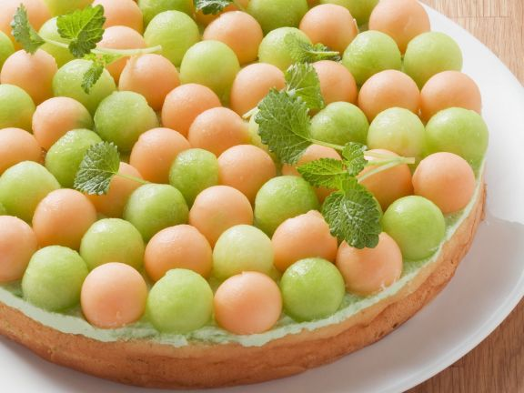 Waldmeisterkuchen mit Melonen
