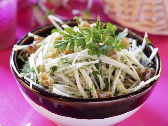 Walnuss-Sellerie-Salat