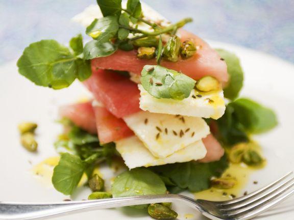 Wassermelonensalat mit Schafkäse und Brunnenkresse