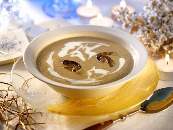 Weihnachtliche Pilzsuppe
