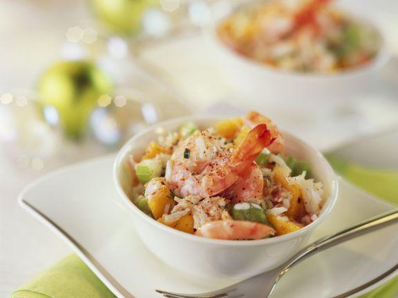 Weihnachtlicher Salat aus Meeresfrüchten